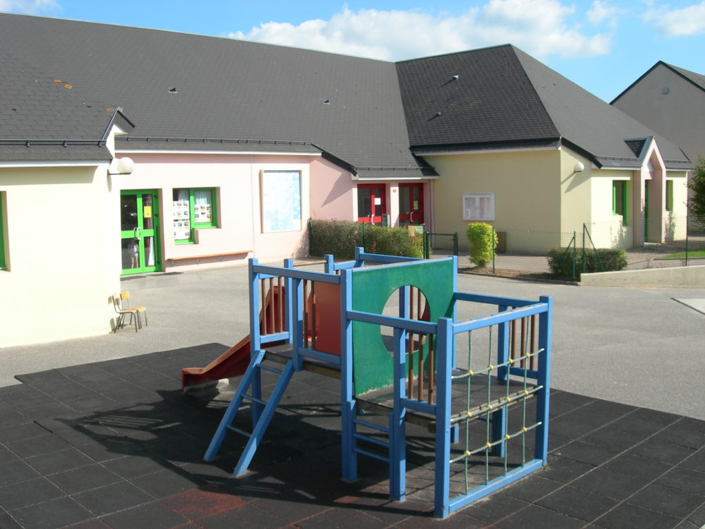 Sottevast cour école maternelle